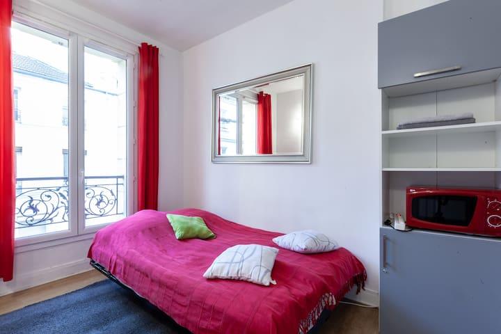 Studio near Place Bastille 10