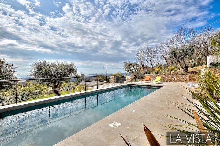 LA VISTA - Luxury Property with Sea View