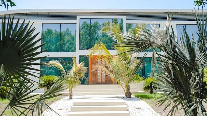 Superior Huge Estate Villa for Fabolous Stay.