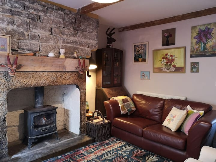 Characterful Homely Spacious Terraced Cottage