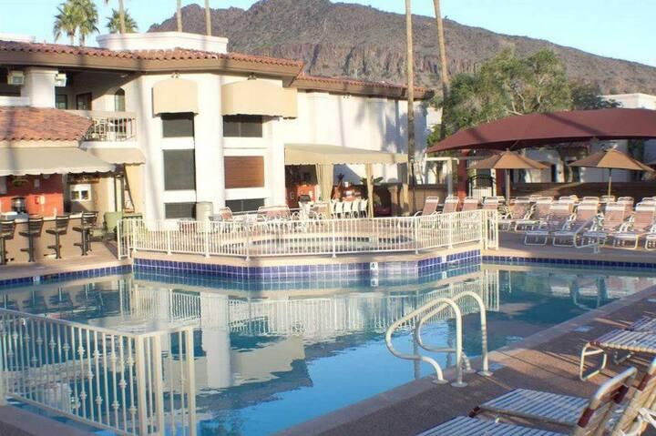 Scottsdale Camelback 2BR Condo