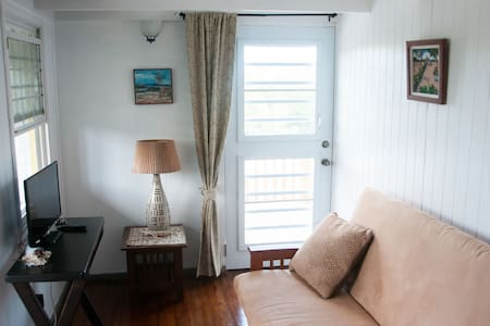 Unique accommodation in tranquility - Saint John's - Apartemen