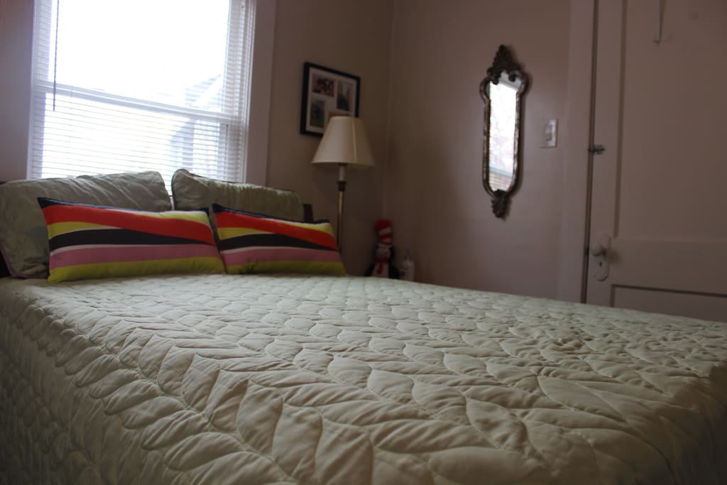 Here is the bed that is shown. This duplex has 1 full size bed!