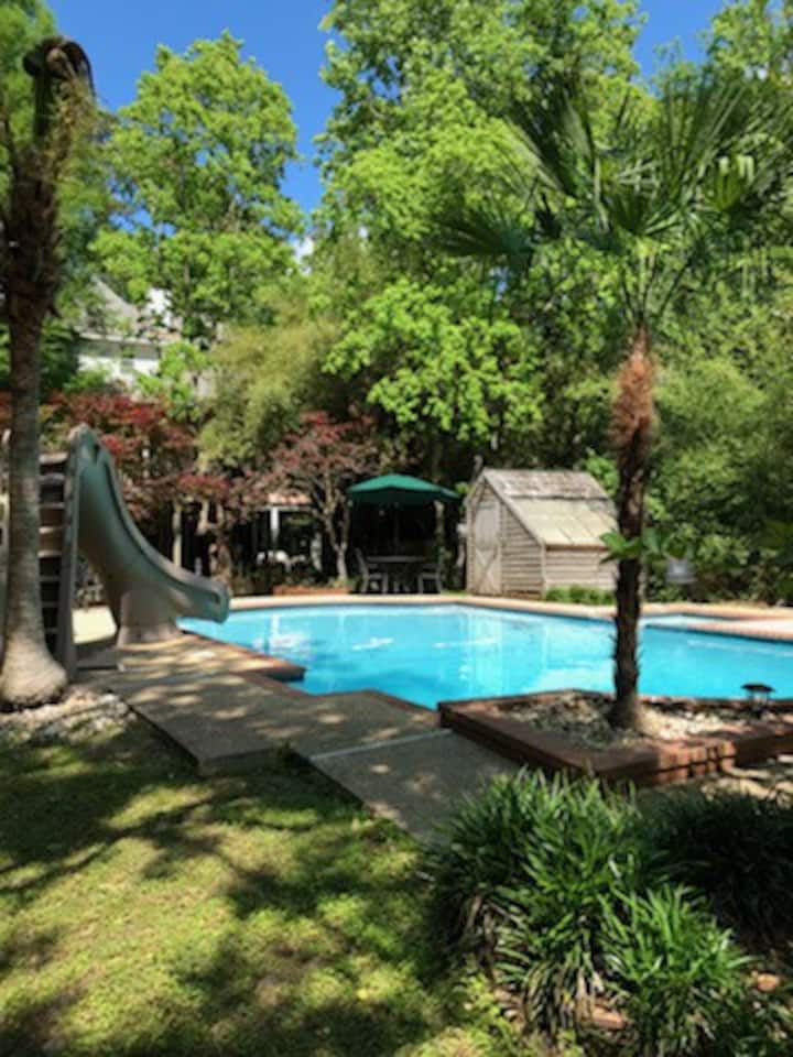 Bayou Getaway...Family Fun with Amazing Pool