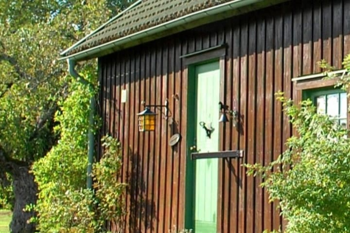 Cosy farmhouse on a horse farm with fantastic views. Here you can relax at the country side!