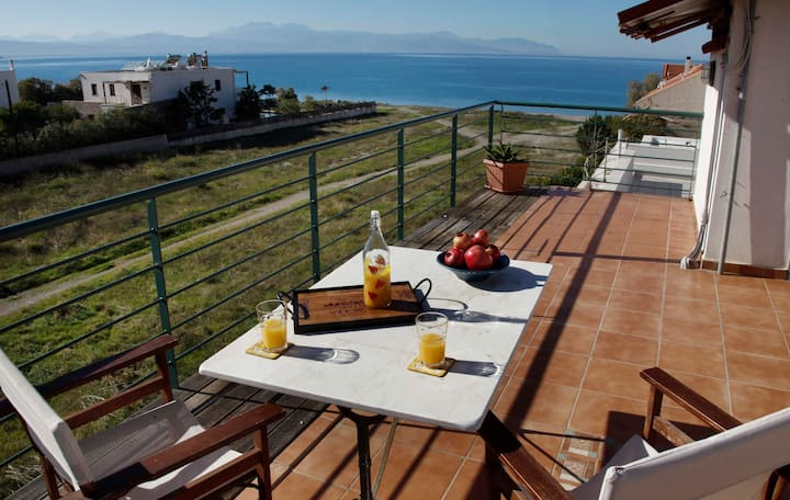 Waterfront 2 Bedrooms Poseidonos Beach Loutraki