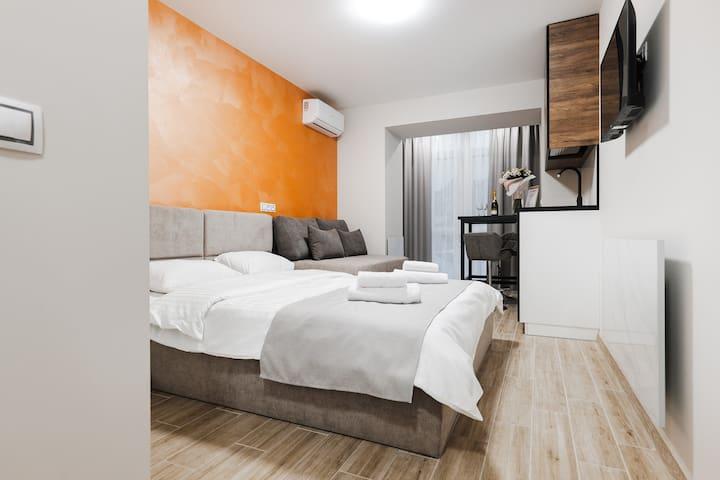 Улучшенные апартаменты в центре Киева (903)