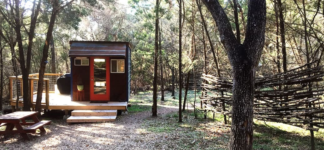 A REAL Tiny House at Dharma Ranch - San Marcos