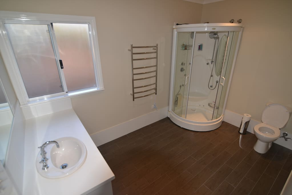 Ensuite to Marri Room is fitted with Steam shower to soothe the muscles and cleanse the skin