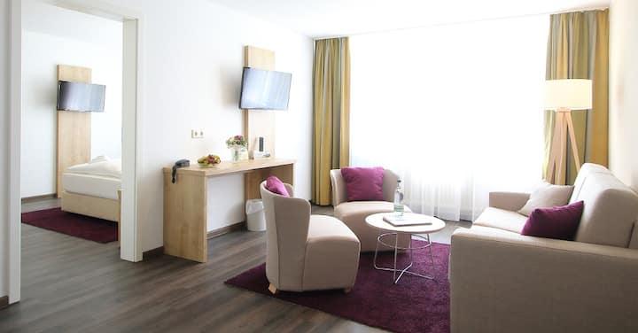 """AKZENT Hotel """"Am Burgholz"""" (Bad Tabarz) - LOH05373, Familienzimmer mit Dusche und WC"""