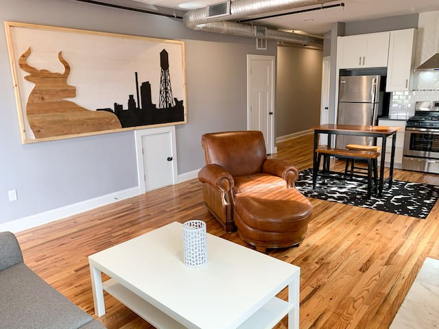 *Downtown Durham Apt-B* Walk to food/near Duke