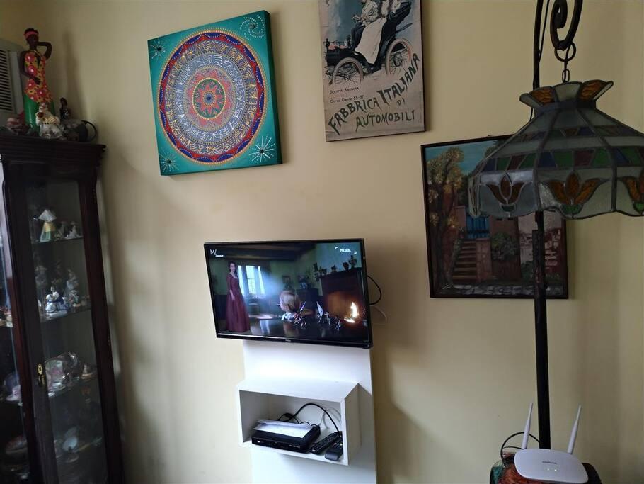 Sala com TV tela Plana