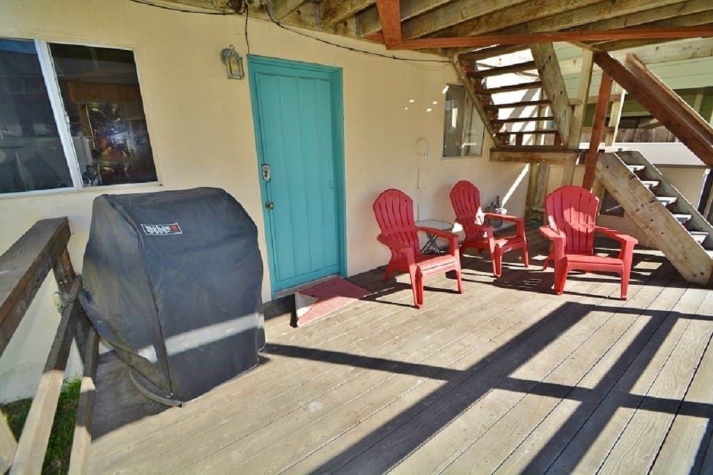 Cook al fresco with this BBQ and lounge in the sun