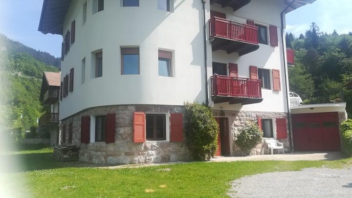 Grande appartamento sul lago di Molveno