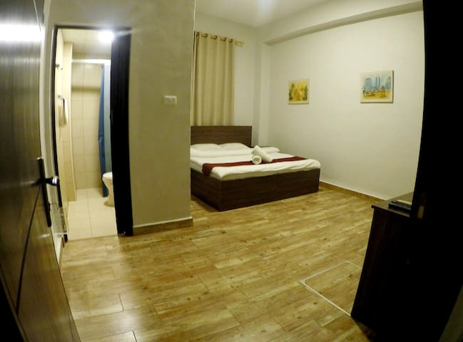 Between Downtown and Rainbow Street - Double Room