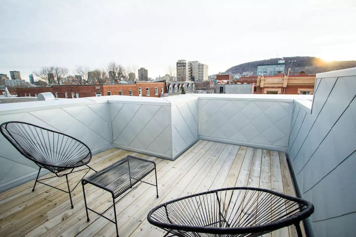 PENTHOUSE - IN THE HEART OF PLATEAU MONT-ROYAL