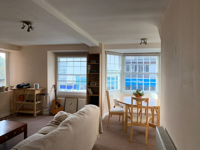 Cosy Room Lyme Regis Center with En suite