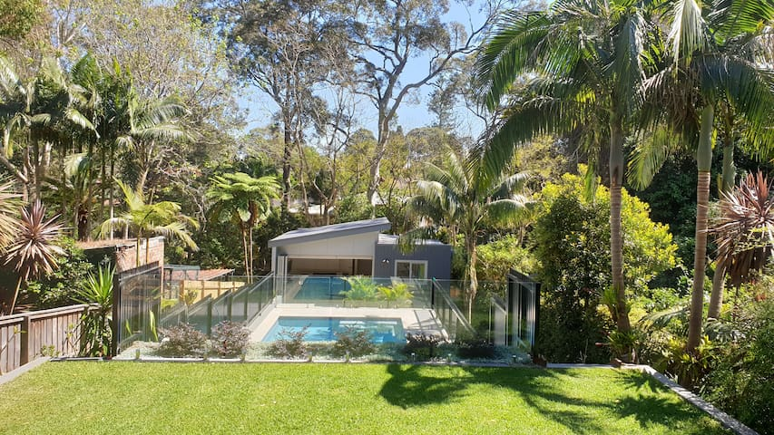 New Guest House in bush setting with use of pool