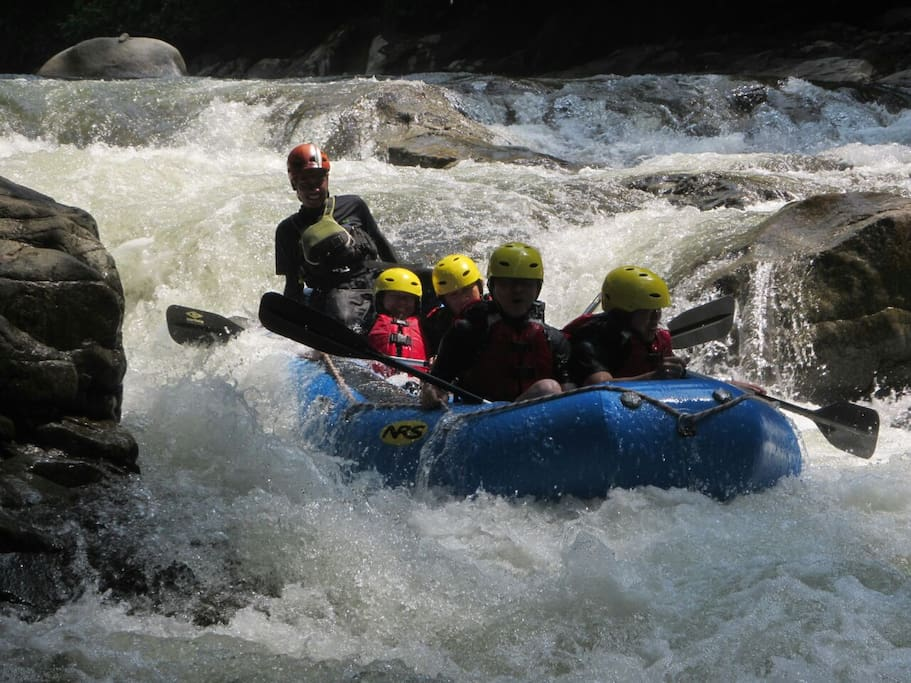 Whitewater rafting at Gopeng Guesthouse