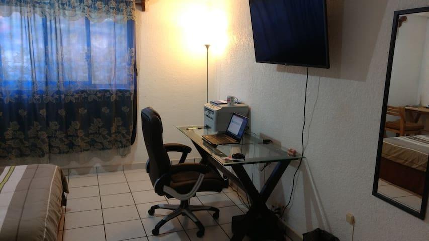 Cuarto  en Torres de Cuernavaca (Av. Universidad) - Cuernavaca - Daire