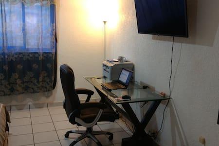 Cuarto  en Torres de Cuernavaca (Av. Universidad) - Cuernavaca - Apartment