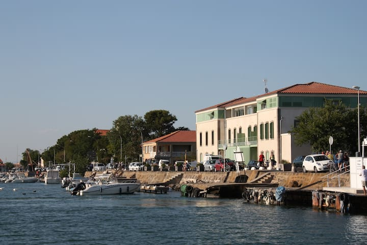 Residence de standing neuve 'le Chateau Vert' - Agde - Apartmen