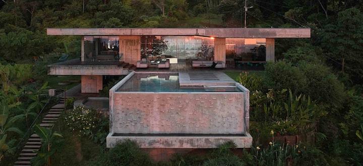 NEW Exclusive Art Villa / ArtVillas Costa Rica