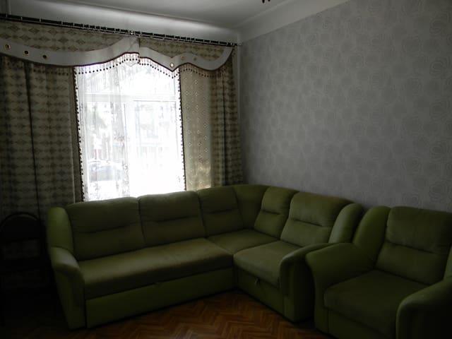 Просторная 2-х комнатная квартира в центре города