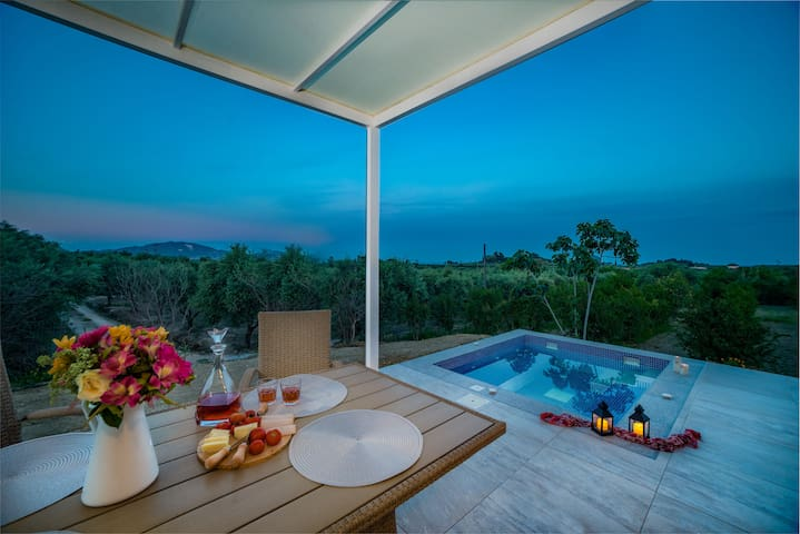 Relax and enjoy your nights at the jacuzzi