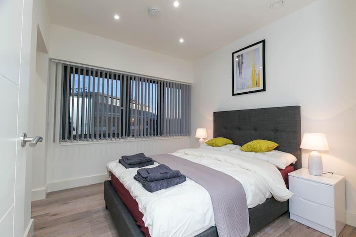 Heathrow Premier One-Bedroom Apartment + Parking