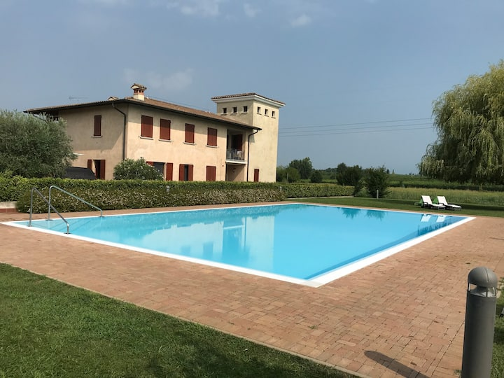 Garda Lake apartment close to Golf Chervò