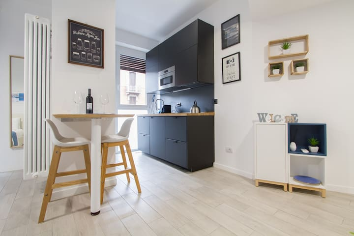 Charming Blue Flat near Central Station