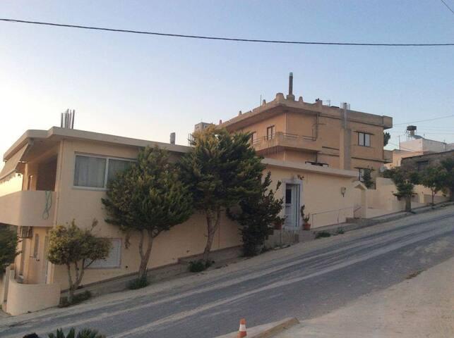 Traditional greek house - Aitania - Hus