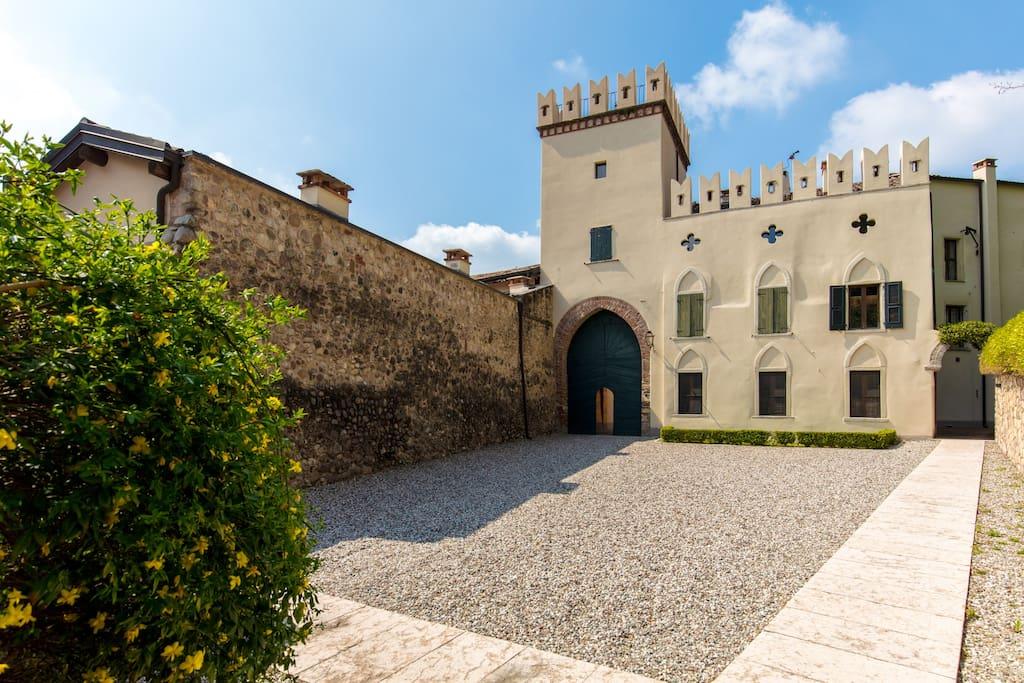 Entrata Castello Villa Da Sacco