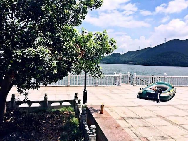 宁波临湖轰趴别墅