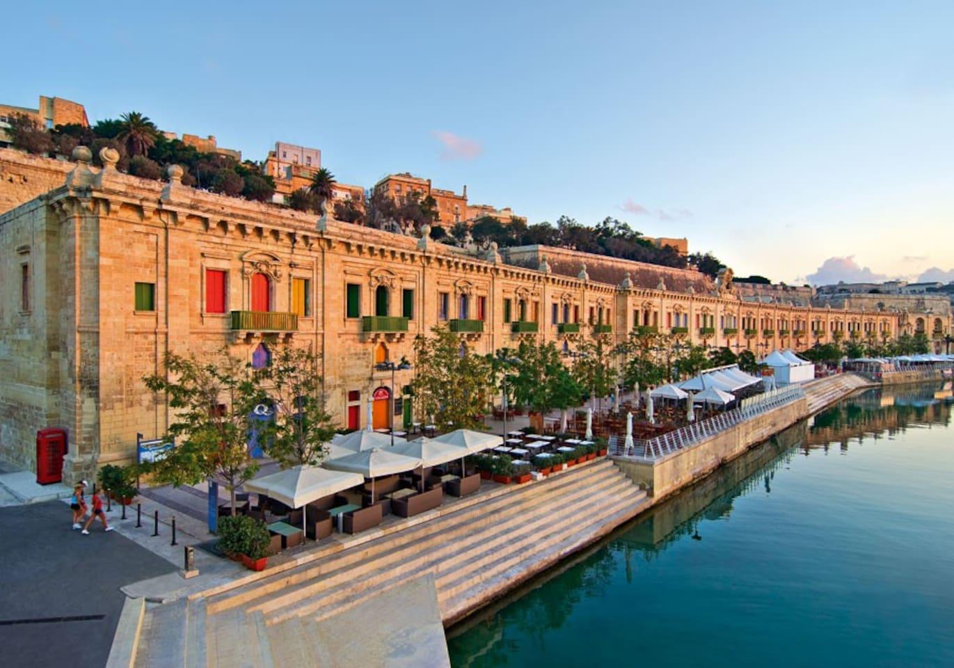 ⭐Pure Luxury in Central Sliema⭐Ocean Views, Pool