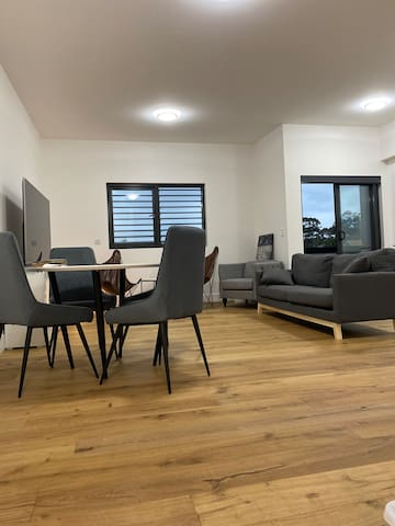 Cozy one bedroom unit(with aircon)