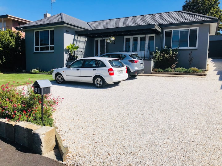 CBD! Newly Renovated 4 Airbnb Off Road Parking x 4