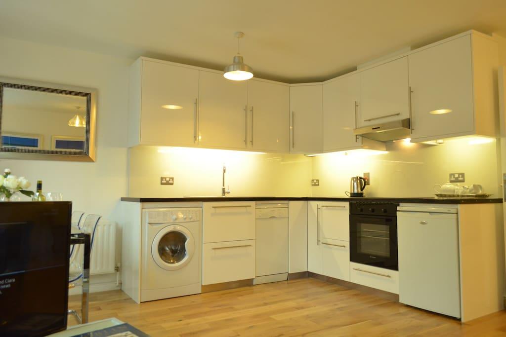 Kitchen, washing dryer & disdwasher