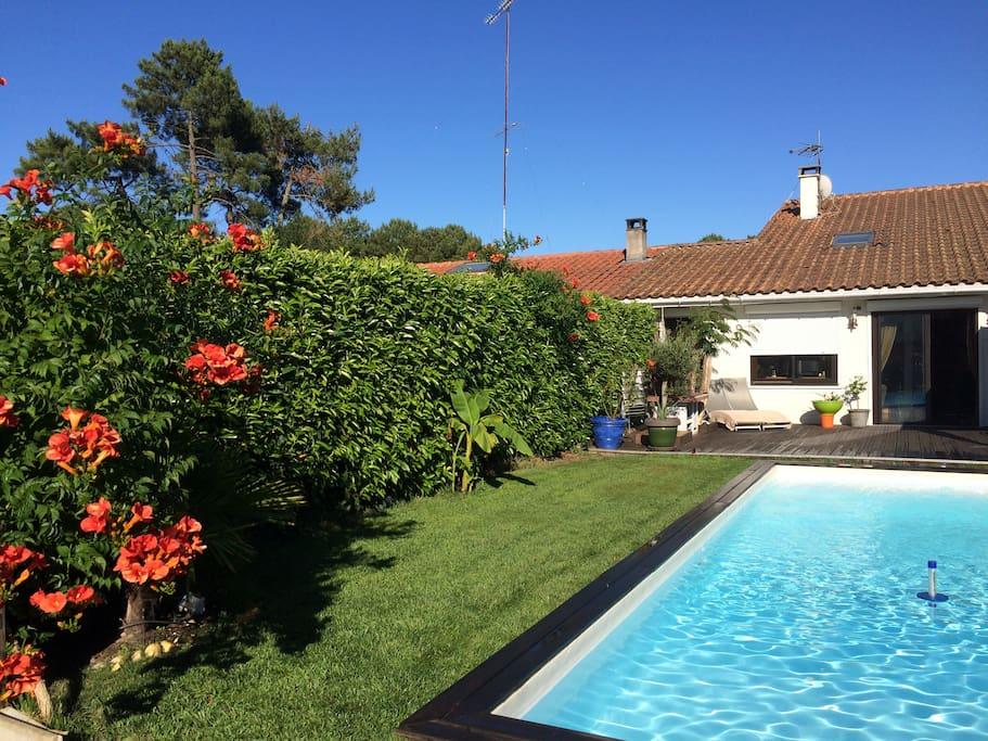 Maison avec piscine proche bassin tout commerces houses for Piscine gujan mestras