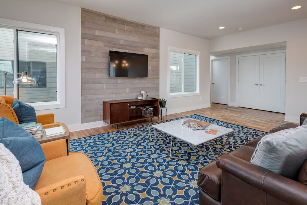 Relax in the open living area and watch a movie on the flat screen TV. Complimentary Wi-Fi provided.
