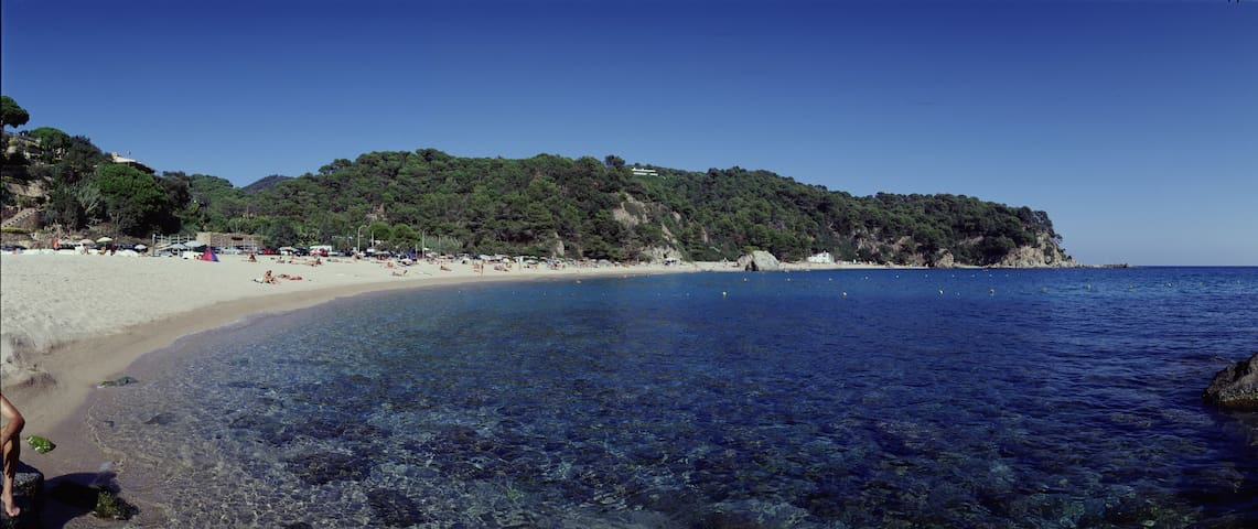 5 MIN. WALK TO THE BEACH AT THE COSTA BRAVA breeze - Lloret de Mar - Casa