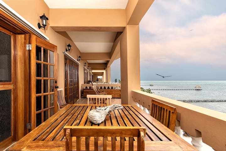 ♡ Hol Chan Reef Resort | Top floor oceanfront!
