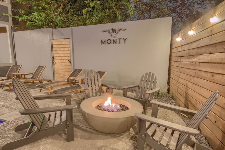 The Monty #2- Luxury,Downtown, near the River Walk