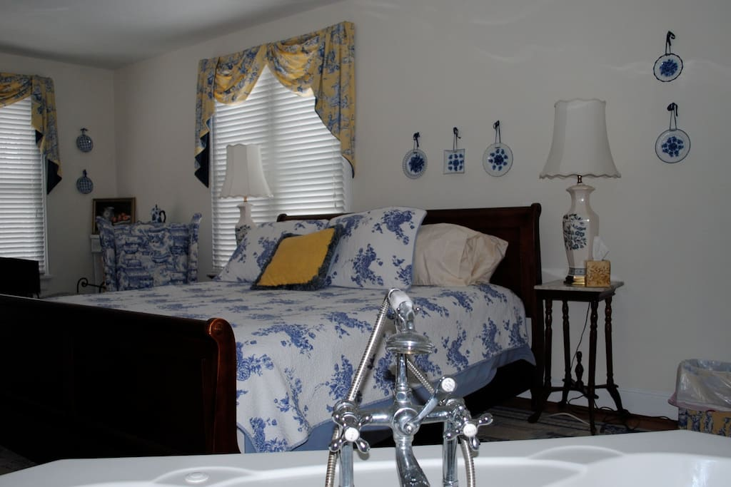All room have quality linens and daily housekeeping