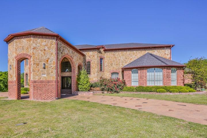 Luxury Living in Cedar Hill TX