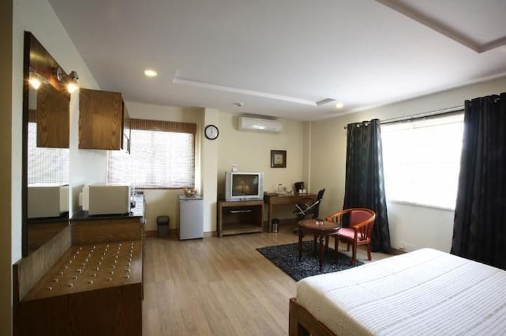 Central Town Oriental - Suite with Kitchenette - Bengaluru - Bed & Breakfast