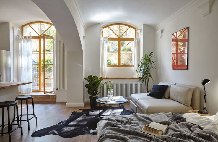 Charming studio with garden terrace