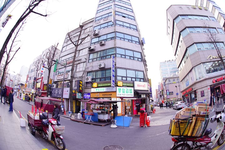 Insadong-centric guest house single1