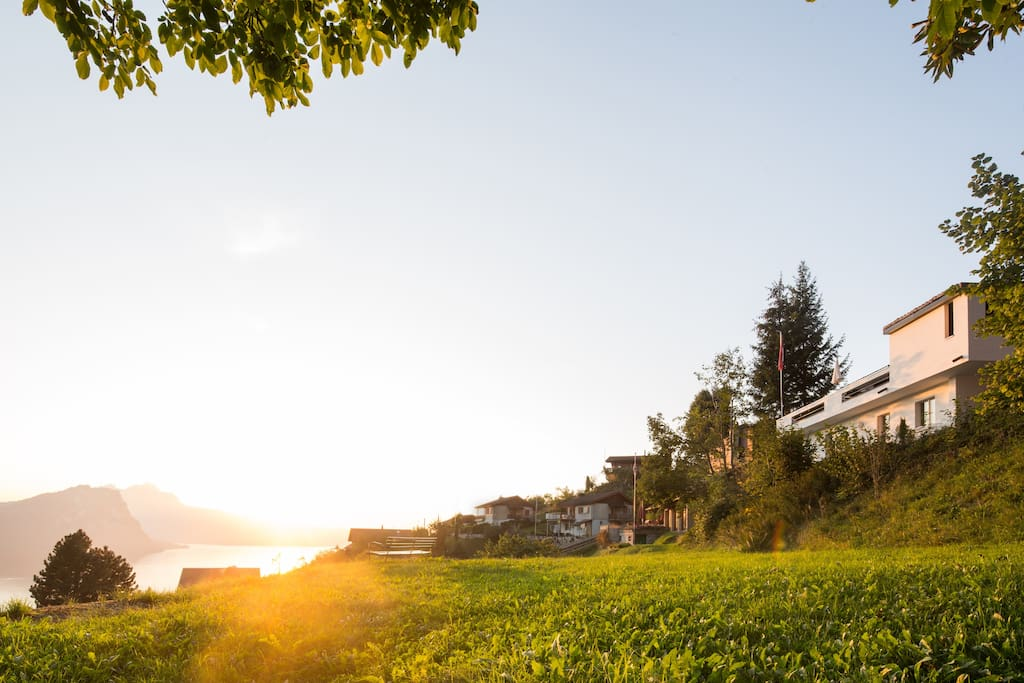 Villa with private Garden with the best sunsets.